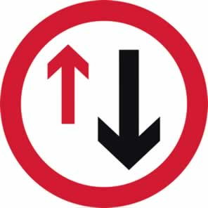 600 mm diameter Dibond Give Way to Oncoming Traffic Road Sign without channel made from Aluminum Composite sign