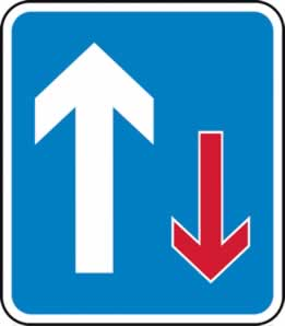 700 x 800 mm Dibond Give way to oncoming traffic Road Sign with channel made from Aluminum Composite sign