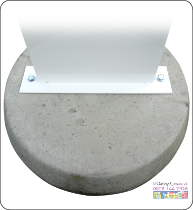 Concrete base 600 mm diameter sign